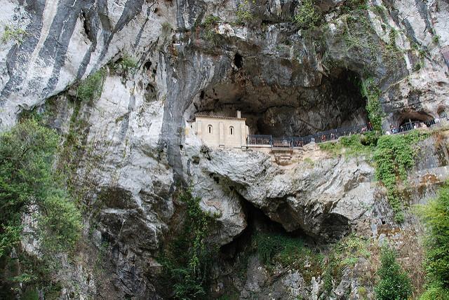 La rebelión del Norte. Covadonga. Libros prohibidos