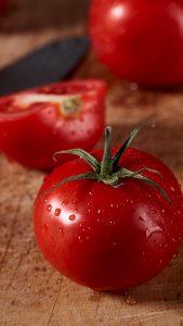 Rojo y en botella. Tomates. Libros Prohibidos