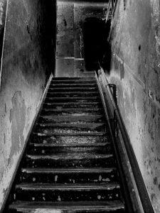 JuegosCordel.Escalera.LibrosProhibidos